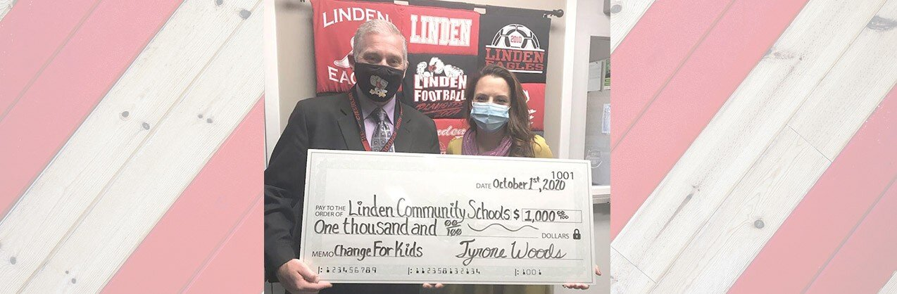 Tyrone Woods Manufactured Home Community Makes Donation To Linden Schools
