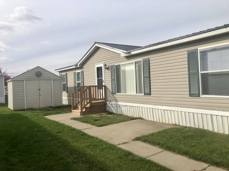8436 Barkwood Circle, Fenton, Michigan 48430, ,Manufactured Homes,For Sale,Barkwood Circle,1006